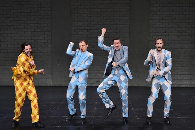 """""""Die drei Musketiere"""" nach Alexandre Dumas in einer Bearbeitung von Antonio Latella und Federico Bellini, Regie Antonio Latella (Theater Basel 2019). Foto Sandra Then"""