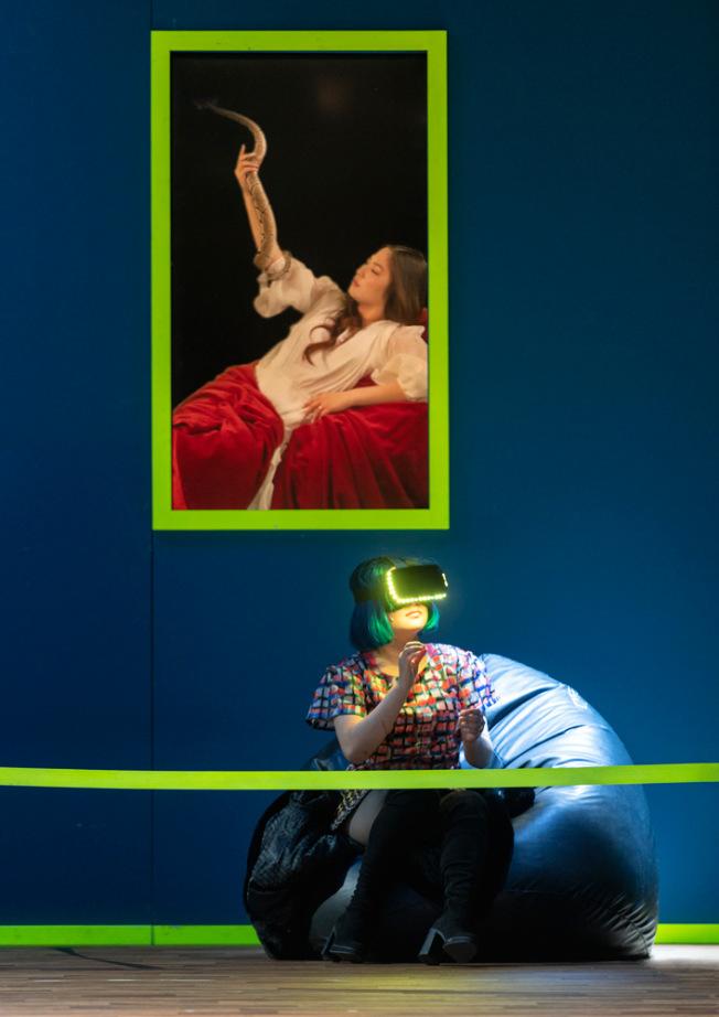 """Jihyun Cecilia Lee in der Hybrid-Oper """"Orfeo ed Euridice"""" unter der Regie von André Bücker am Staatstheater Augsburg. Foto: Jan-Pieter Fuhr"""