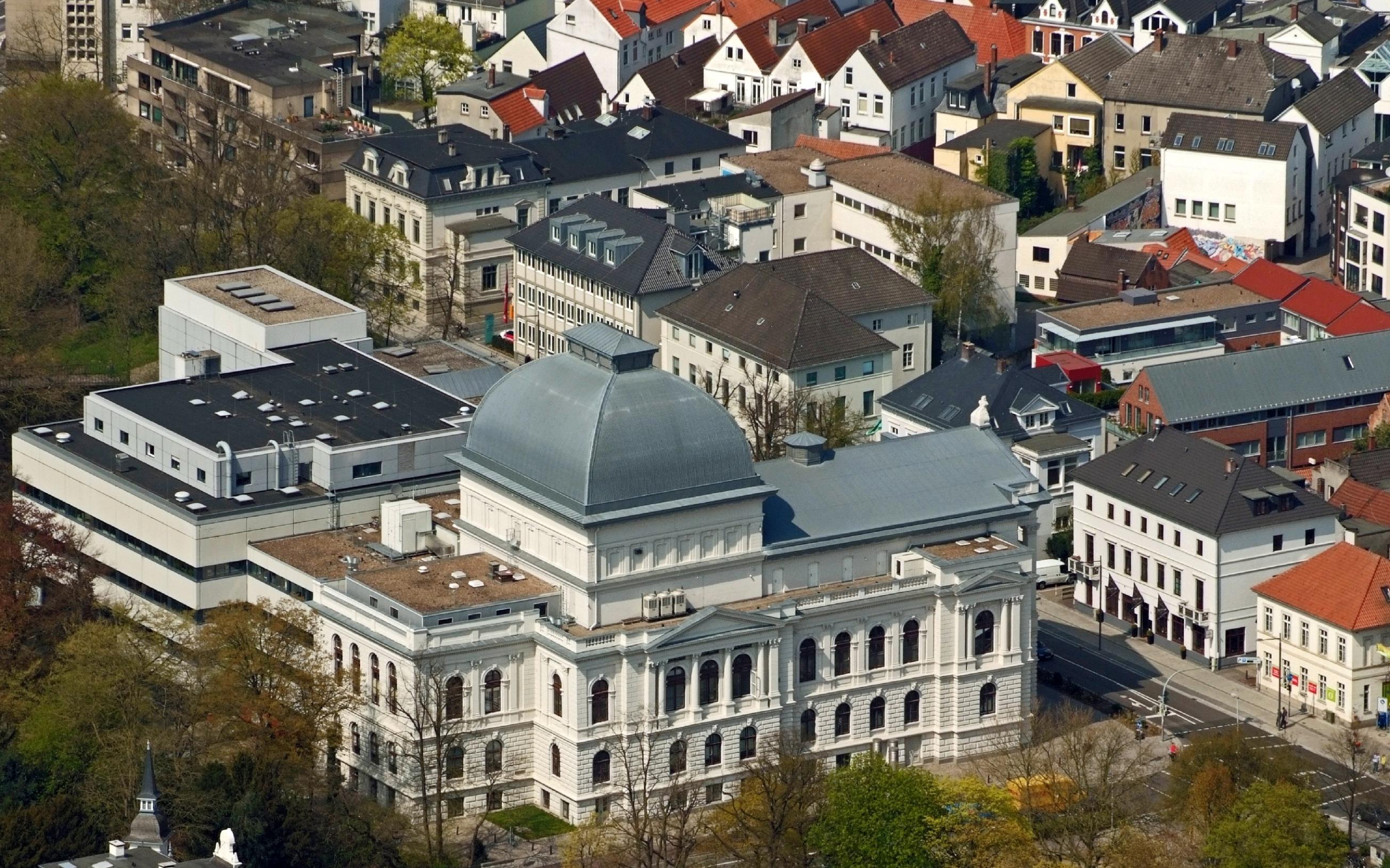 Oldenburgisches Staatstheater / Fotoflug von Nordholz-Spieka nach Oldenburg und Papenburg
