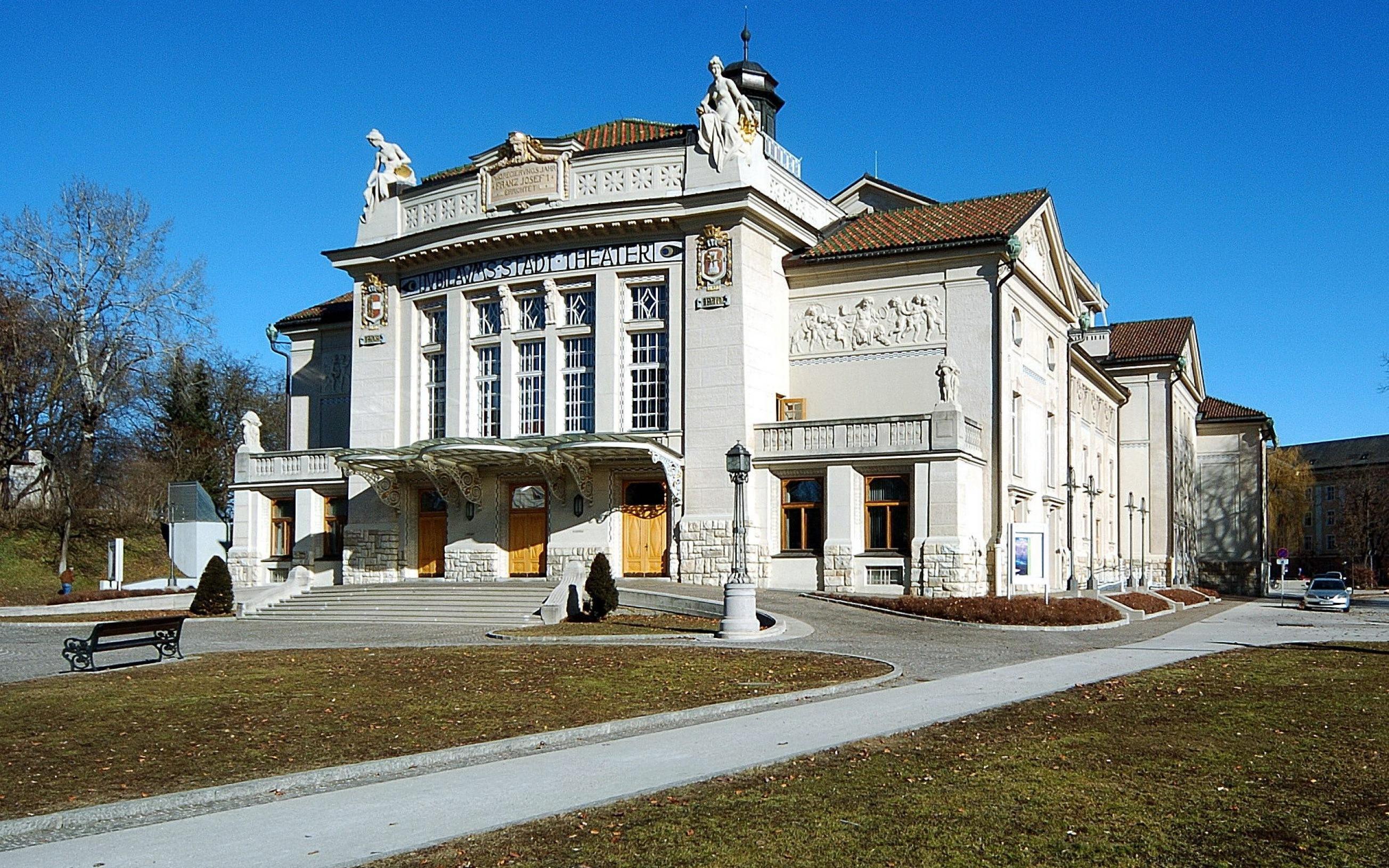 Stadttheater (Architekten: F. Fellner und H. Helmer) am Theaterplatz 4, Innere Stadt von Klagenfurt, Kärnten, Öster